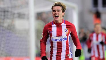 Antoine Griezmann Realizes That Passing Is A Huge Waste Of Time And Hits A Screamer