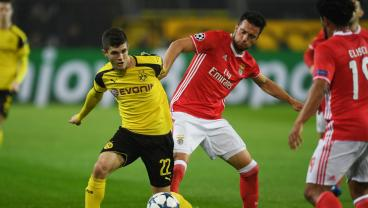 soccer story christian pulisic borussia dortmund benfica champions league goal video highlight