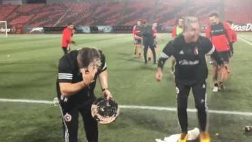 Miguel Herrera Took A Cake To The Face