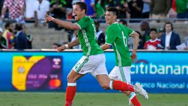 """Javier """"Chicharito"""" Hernandez Becomes Mexico's All-Time Leading Goal Scorer"""