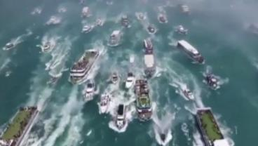 Besiktas Celebrate Their Title On A Big Blue Watery Road