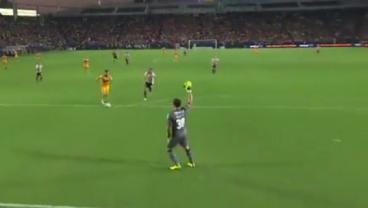 Watch Rodolfo Cota Stop An Andre-Pierre Gignac Breakaway With Gamesmanship