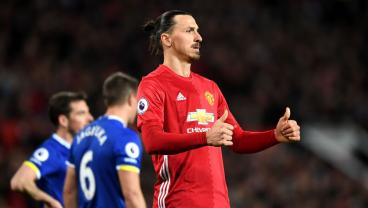 Twitter Goes Nuts Over Zlatan Ibrahimovic Tweet In Manchester United Uniform