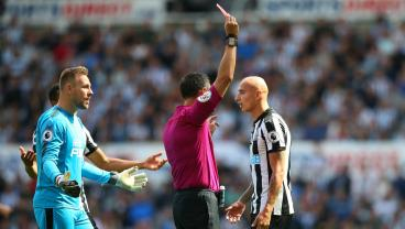 Jonjo Shelvey Receives Red Card For Most Boneheaded Move Ever