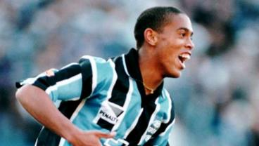 18-Year-Old Ronaldinho Proves That Everyone Else At That Age Ain't Sh*t