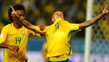 "Coutinho Scores While Living ""A Very Great Sadness,"" Dealing With Emotionally Broken Back"