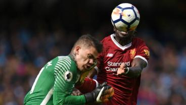 Sadio Mane Red Card Sets Off Twitter Debate Between Gary Neville And People With Eyes