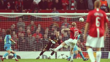 Watch Every Paul Scholes Goal From Outside The Box, Feel Your Brain Release Endorphins