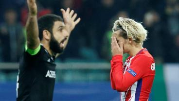 Atletico In Danger Of Champions League Catastrophe After Fernando Torres Misses A Sitter