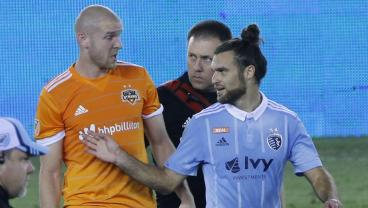 Houston Boos Graham Zusi's Every Touch In Pretty Shoddy Playoff Match