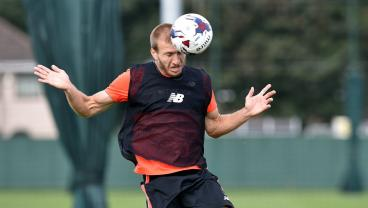 Ragnar Klavan Is Either A Meme Or The Best Player In The Galaxy