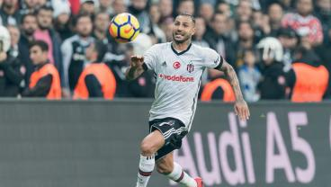Quaresma Had No Choice But To Nutmeg The Referee During A Match