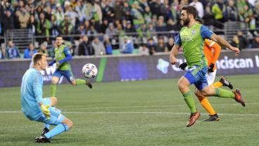 Last Night, Harry Shipp Transformed Into 1970 Pele For The Sounders