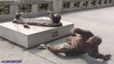 Messi's Statue In Buenos Aires Has Been Vandalized Again