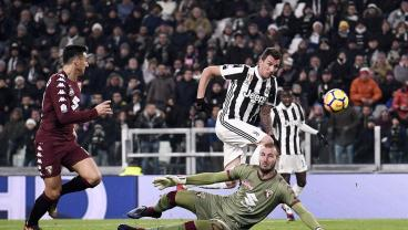Mandzukic Punishes Torino For Not Playing To The Whistle After Shocking No Call