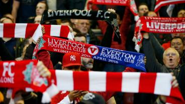 Merseyside Police Issue Hilarious Half-And-Half Scarf Stance Before Derby