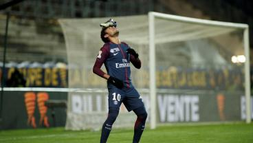 Neymar Trying To Sell Product Like LaVar Ball With New Goal Celebration