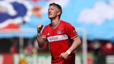 Bastian Schweinsteiger Re-Signs With Chicago Fire For 2018 Season