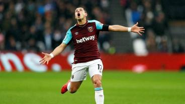 Chicharito Can't Stop Scoring Right Now For West Ham