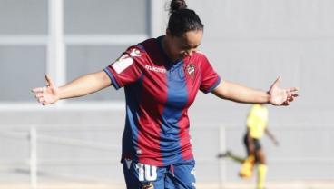 Mexico International Charlyn Corral Rips Golazo, Continues To Dominate In Spain