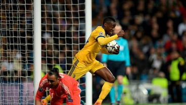 A Very Crappy Piece Of Goalkeeping Allows Juve To Score A Miracle Third