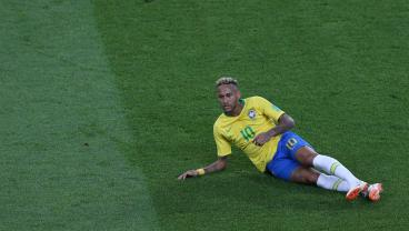 Neymar Better Not Get Caught Diving Because He's One Of 32 Players On Yellows