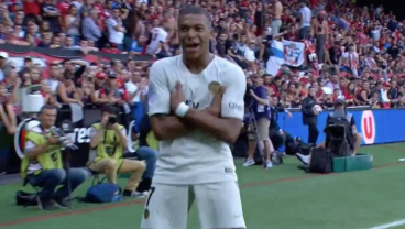 World Cup Star Mbappé Replaces Tim Weah, Saves PSG With 2 Late Goals