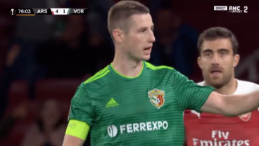 Vorskla Captain Spits On Own Face, Scores Cracking Goal Against Arsenal