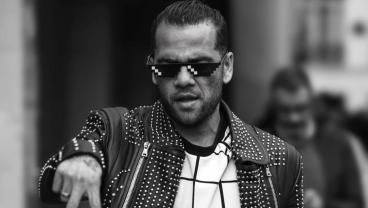 Dani Alves Upstages Neymar At Paris Fashion Week With Sunglasses And High Heels