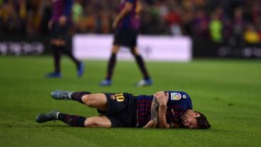 Lionel Messi To Miss El Clásico With Fractured Right Arm