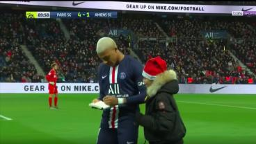 Kylian Mbappé's Trying To Make Ligue 1 More Difficult By Signing Autographs During Games
