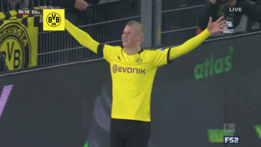 Håland Scores From Impossible Angle For Fifth Goal In 60 Minutes In Bundesliga