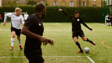 Kaká Fills In As A Ringer During Amateur Match In London