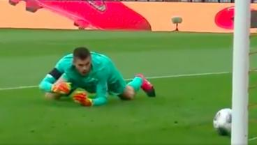Hertha Berlin Keeper Swats Ball Into Own Net During Moment Of Madness