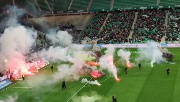 Saint-Étienne vs Angers Fans Flares