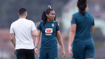 Watch: Brazilian Player Has A Macaw Land On Her Head During Training