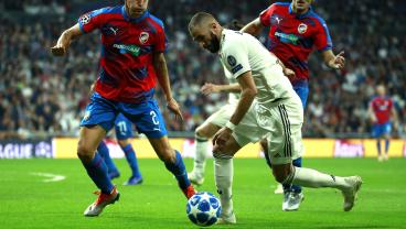 Karim Benzema Dribbles Three Defenders And Megs The Keeper For One Filthy Goal