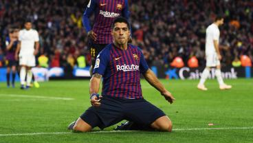 Luis Suarez's Hat-Trick Inspires Barcelona To 5-1 El Clásico Rout