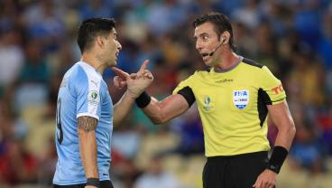 Luis Suárez Spends Copa América Match Reinterpreting The Rules In His Own Special Way