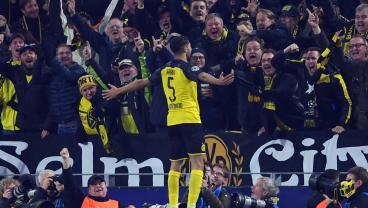 Borussia Dortmund Scores 3 Second-Half Goals To Complete Miracle Comeback