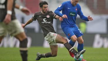 19-Year-Old Texan Leon Flach Hits A Screamer For FC St. Pauli