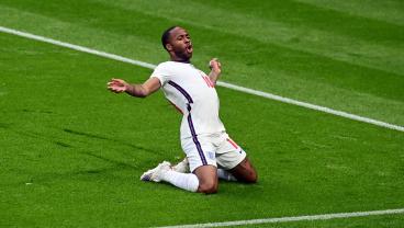 Raheem Sterling scores against Czech Republic