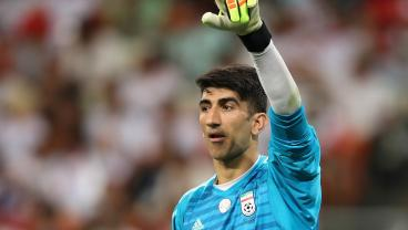 Keeper Shocks The World With Two Heinously Long Throws At The Asian Cup