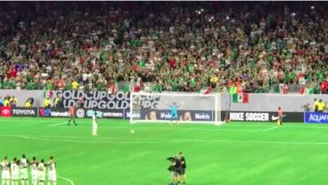 Video Captures Insane Reaction To Memo Ochoa's Penalty Save In Houston Last Night