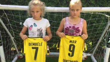 Mario Götze Saves The Day For Two Young Fans Afraid Friends Would Laugh At Their Jerseys