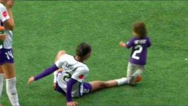 Watch Sydney Leroux Savagely Slide Tackle Her Toddler Son
