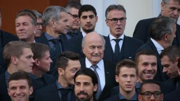Sepp Blatter Accepts Putin Invitation To World Cup Despite Six-Year Ban From Football