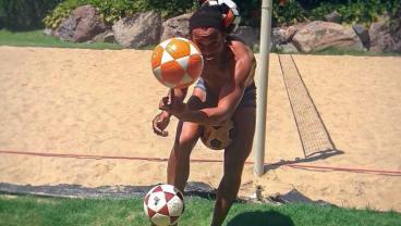 12 Times Ronaldinho Was Obviously Cheating