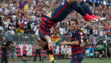 USA Vs Panama - Dom Dwyer Back Flip