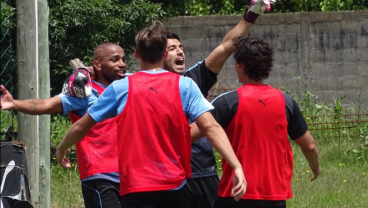 Suarez scores as goalkeeper at Uruguay training